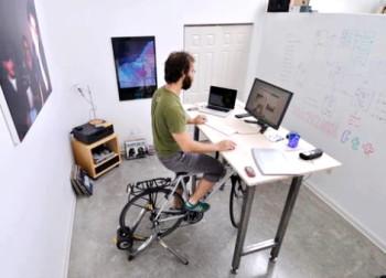 fiets achter PC